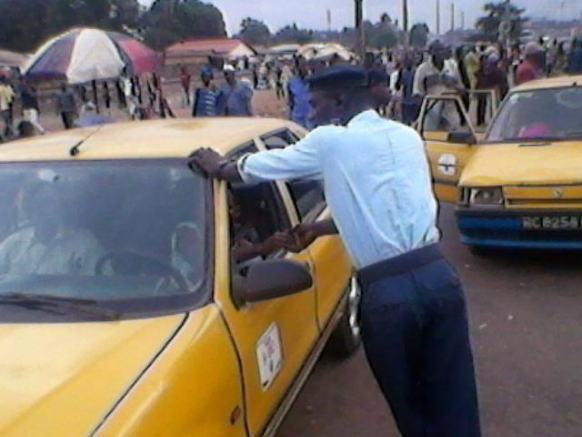 Policiers arnaqueurs. Photo d'archives