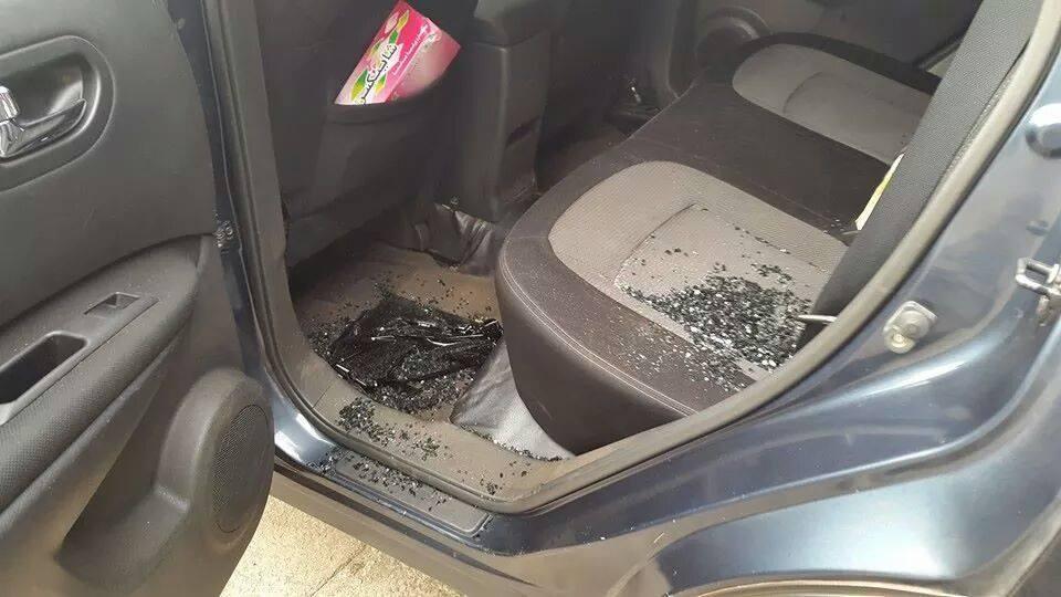 L'intérieur du véhicule après l'attaque