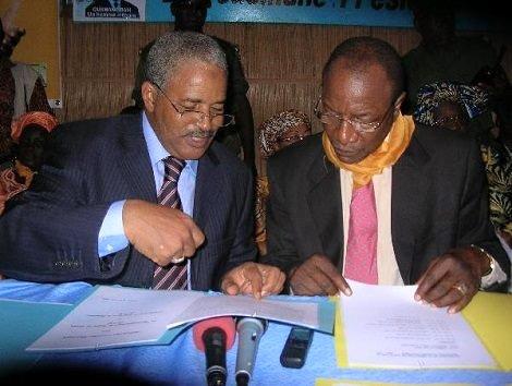 De G. à D : Bah Ousmane et Alpha Conde. Image d'archive
