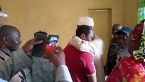 Ousmane Gaoual dans les bras de Dalein, le jeudi 4 août au PM3
